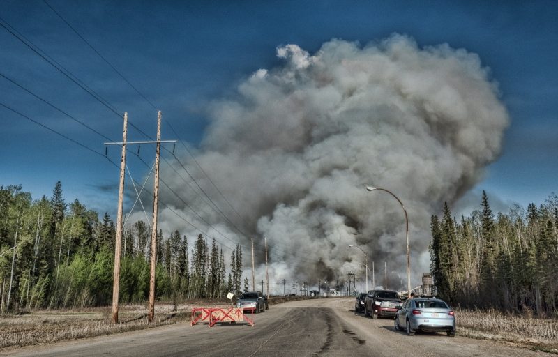 Wildfire - High Level, Ab - 4 May 2016 - 9b