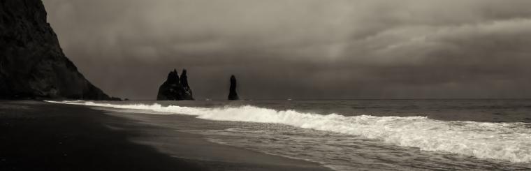 halsanefshellir-cave-iceland-south-coast-1
