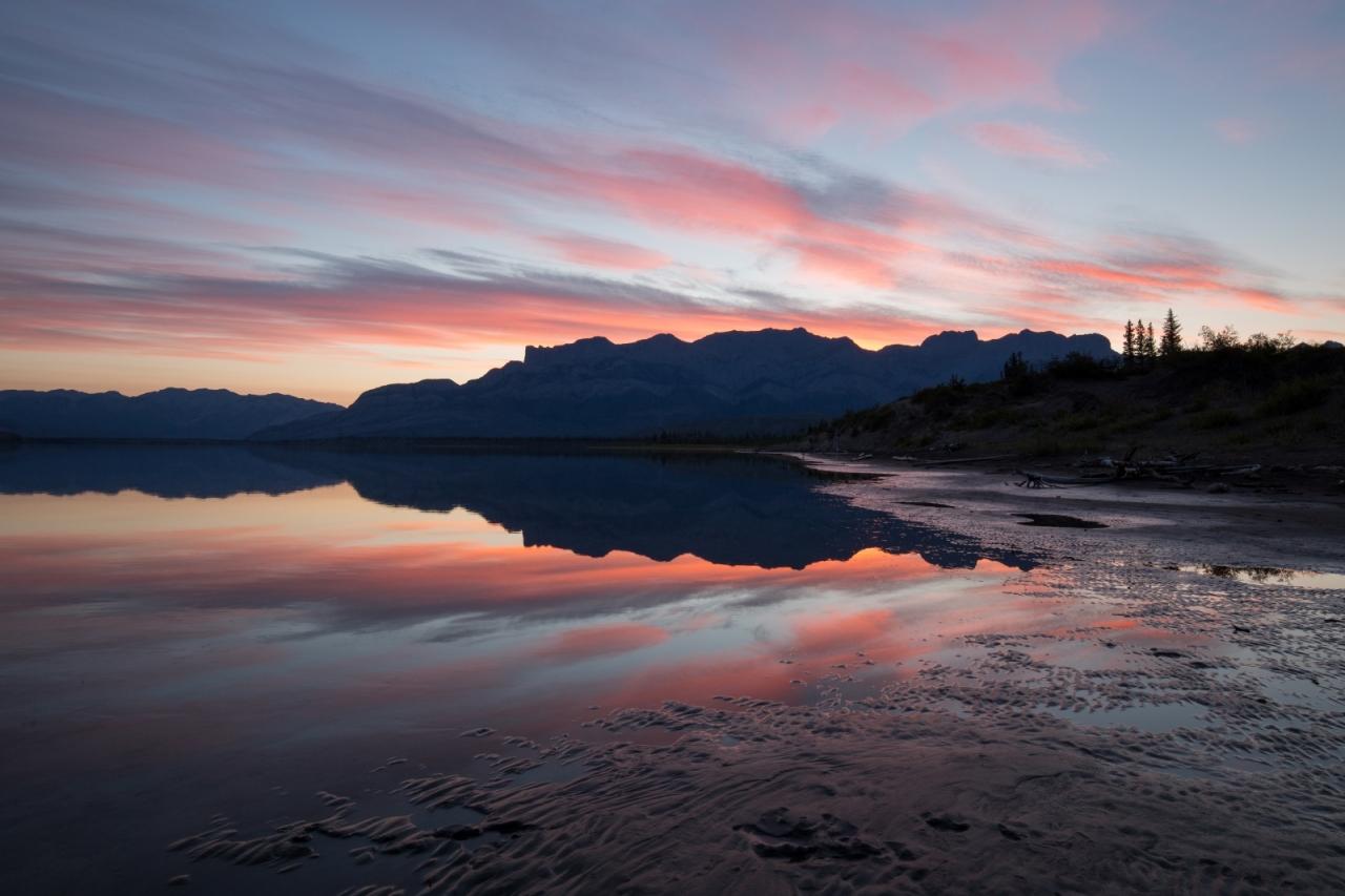 reflection-athabasca-river-jasper-national-park-canada-4