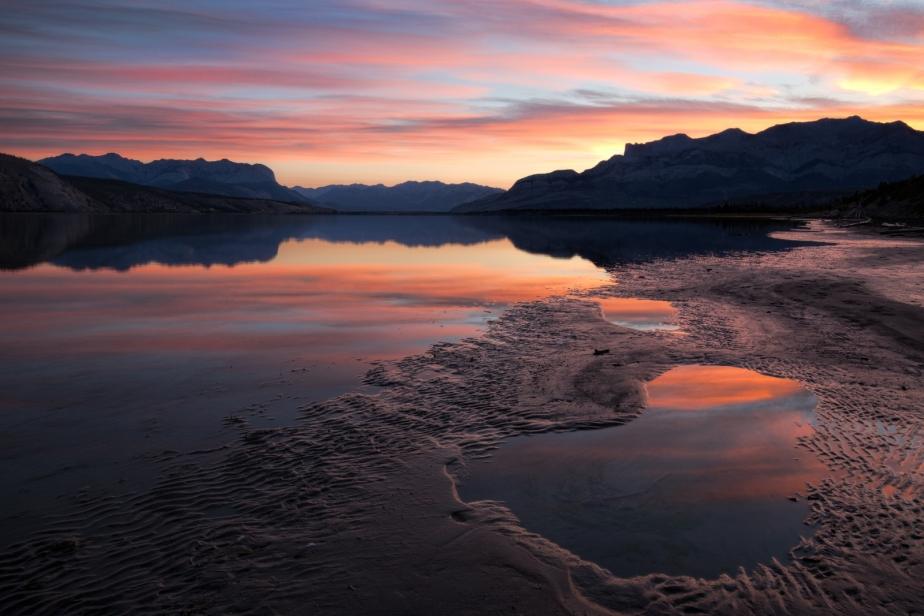 reflection-athabasca-river-jasper-national-park-canada-5