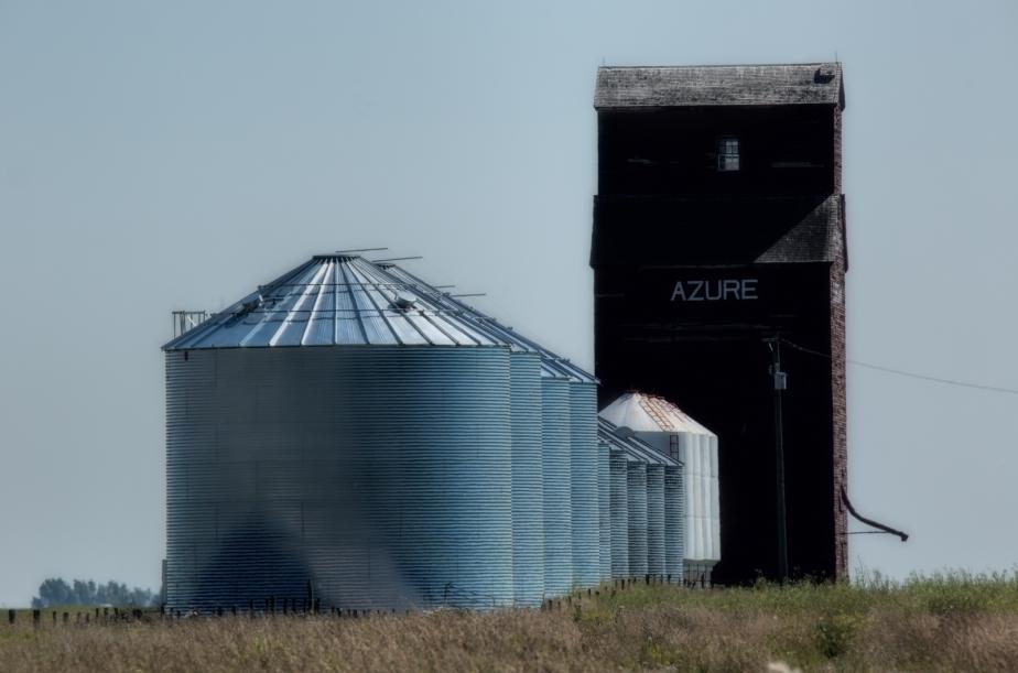grain-bins-elevator-azure-alberta