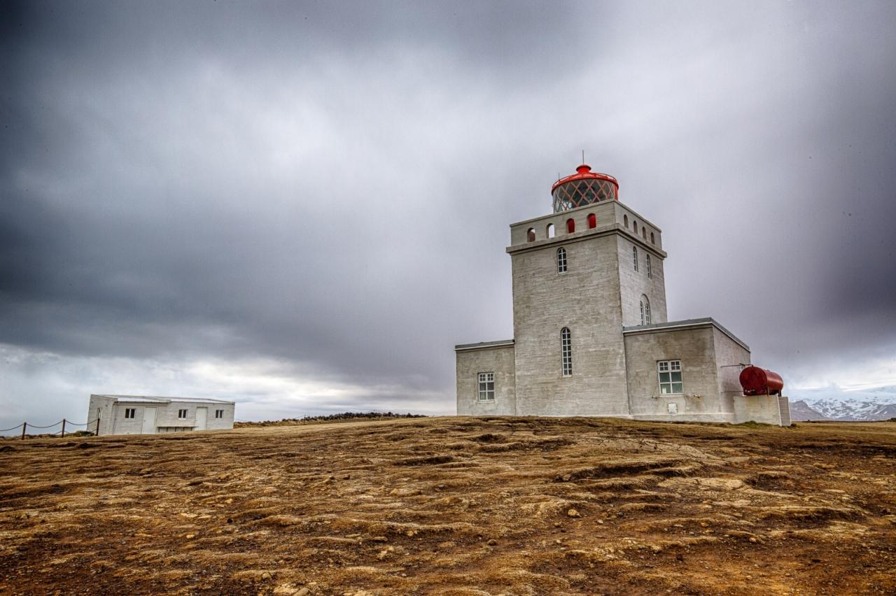 Lighthouse at Dyrhólaey Arch, Iceland 4