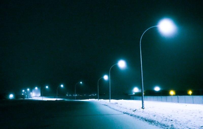 Glowing Lamp Post Light - High Level - 8