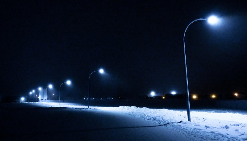 Glowing Lamp Post Light - High Level - 10